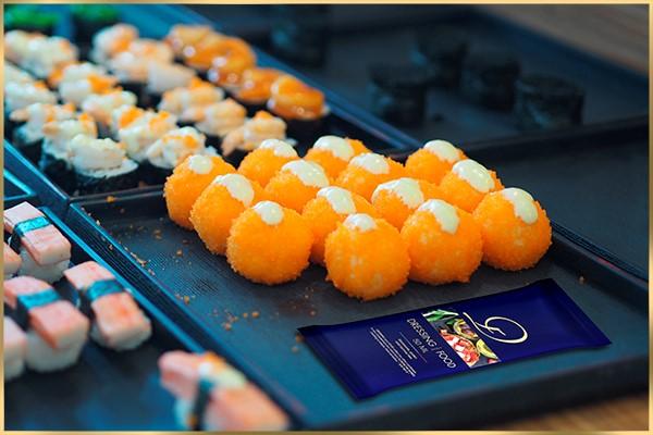 Sushi an würziger «Dressing your Food»-Sauce, schmeckt, nicht nur gut … sondern fantastisch!